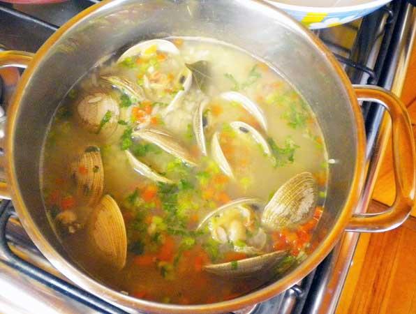 Sopa de Arroz y Almejas