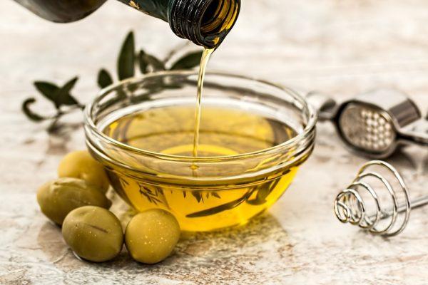Frasco con aceite de oliva