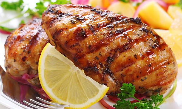 Muslo de pollo al horno con limón